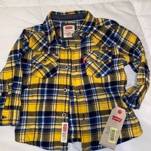 NEW LEVIS BUTTON UP